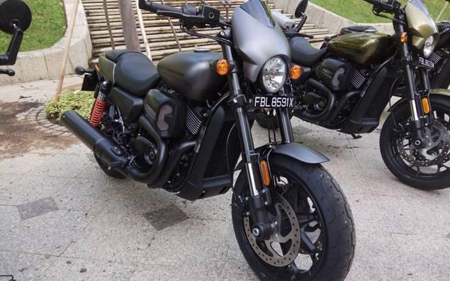 Harley Davidson: First Ride Review: 2017 Harley Davidson Street Rod 750