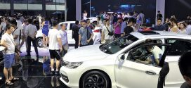Selling cars from the auto show floor